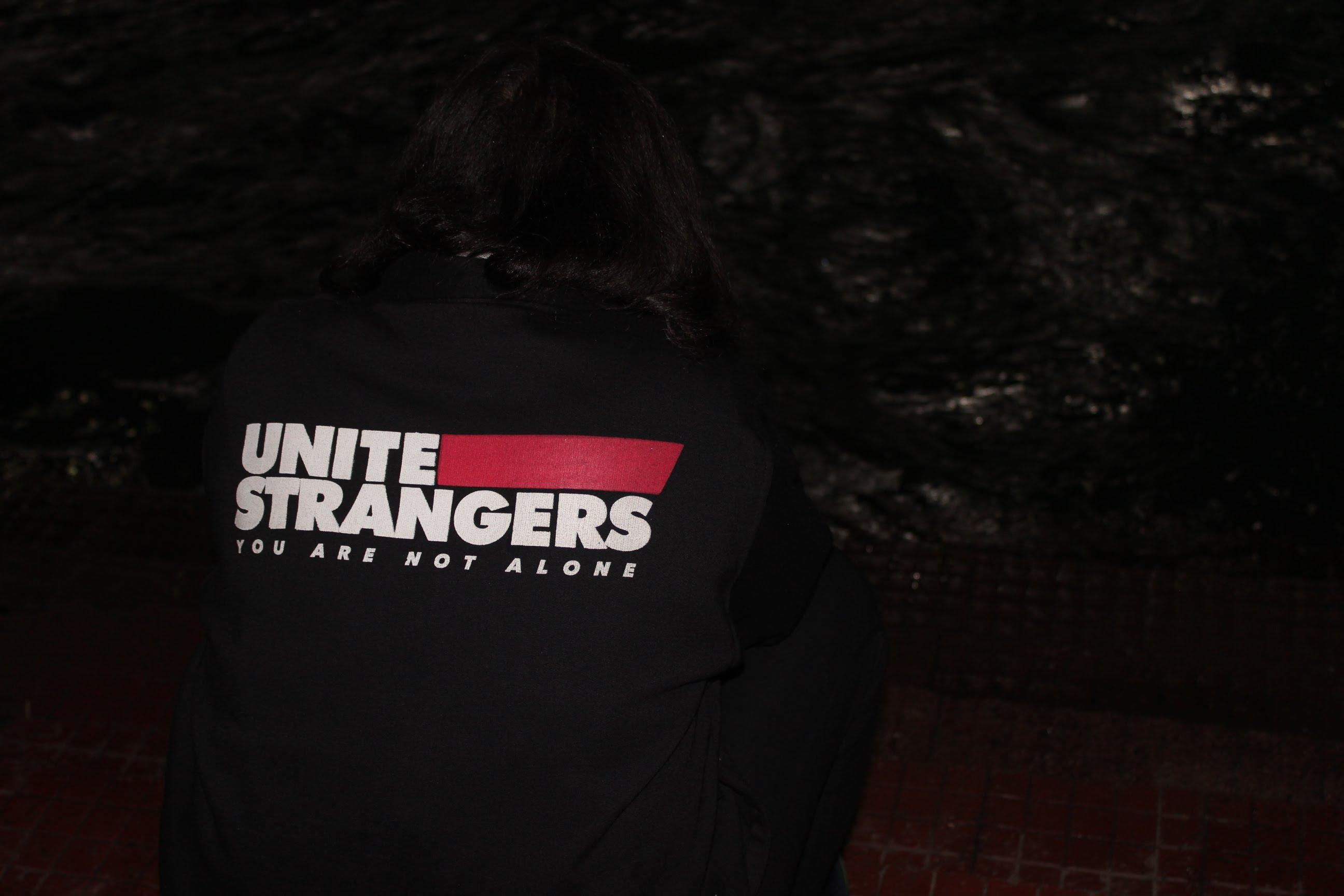 Unite-Strangers, levenstylo